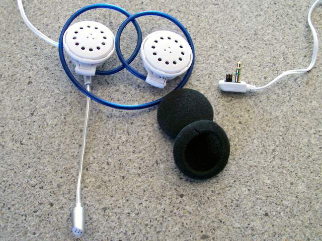 crappy headphones with Nintendo DS plug and microphone