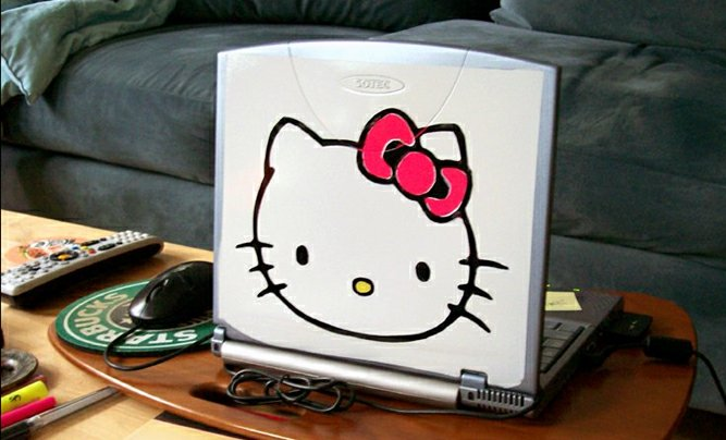 Hello Kitty Laptop number 1, Sotec